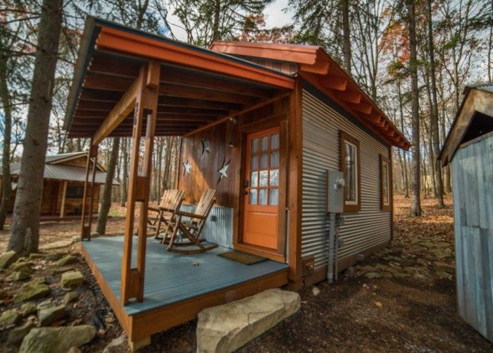 Or smaller mini cabins that are rustic and cozy.