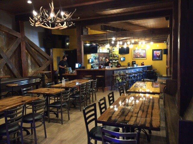 7. Dine N' Dash Pub & Grill, Colfax
