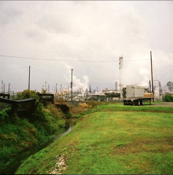 The explosion happened at 3:37 a.m., when few workers were present in the plant. This prevented the death toll from rising even higher. It was caused by an issue present in an 8-inch vapor line.