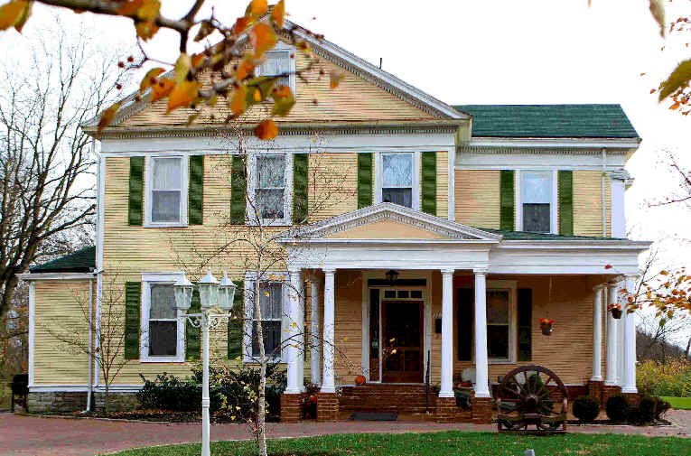 10 amazing affordable places to stay overnight in ohio for Bed and breakfast area riservata