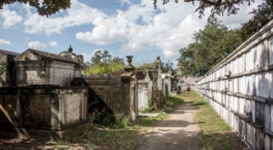 8 Disturbing Cemeteries Around New Orleans That Will Give You Goosebumps