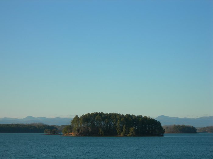 1. Lake Keowee