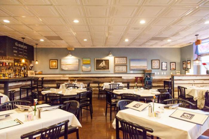 Long Island Restaurants: 11 Restaurants In South Carolina Where The Locals Eat