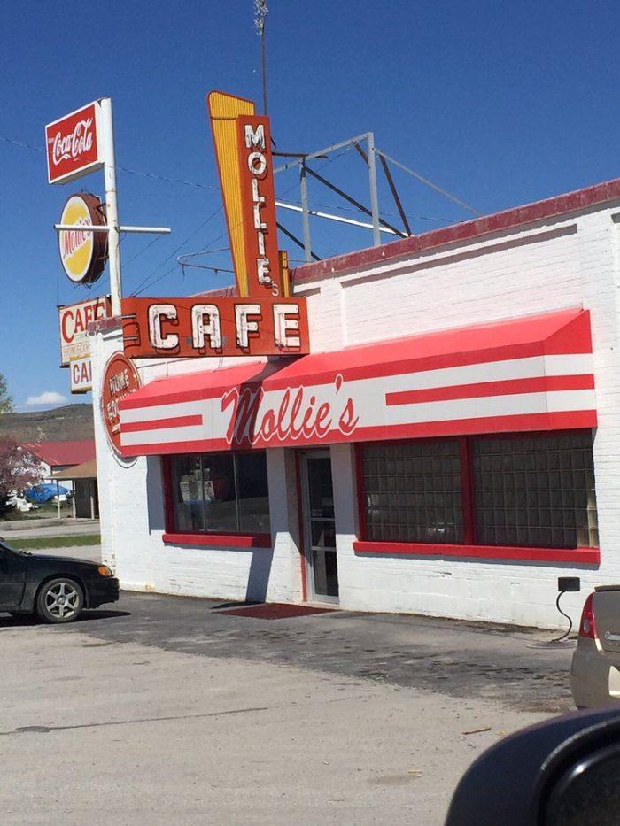 10. Mollie's Cafe, Snowville