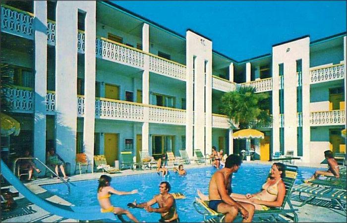 5. The Ebb Tide Motor Inn in Myrtle Beach looks like it was a fun place to stay.