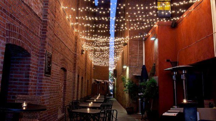 8. Far Bar in Los Angeles