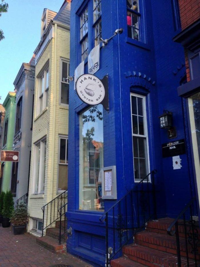 4. Hank's Oyster Bar (Alexandria)