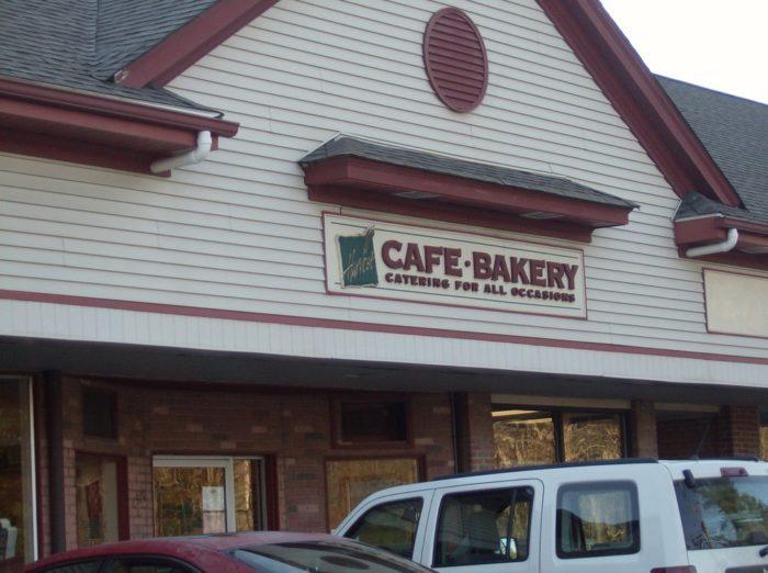 2. Harvest Café & Bakery (Simsbury)