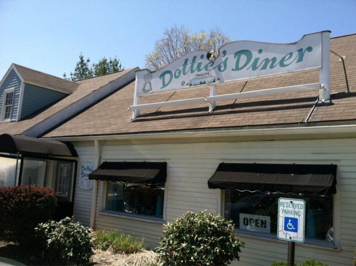14. Dottie's Diner (Woodbury/Waterbury)