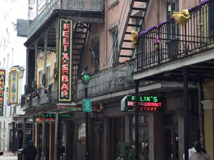 8) Felix's Restaurant & Oyster Bar, 739 Iberville St.