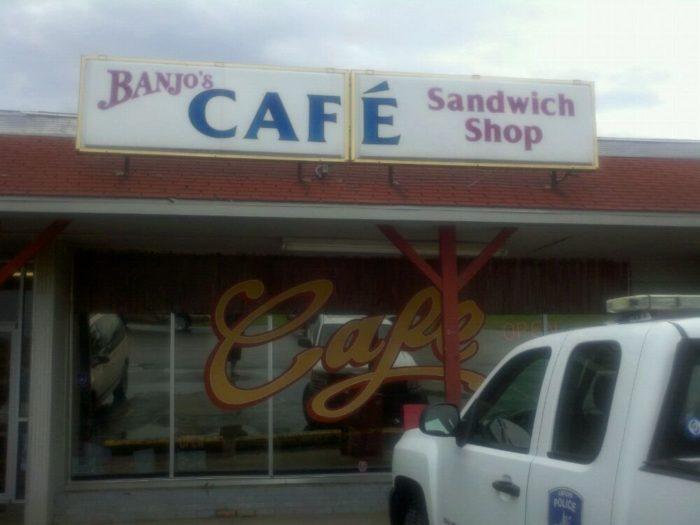 5. Banjo's Cafe (Topeka)