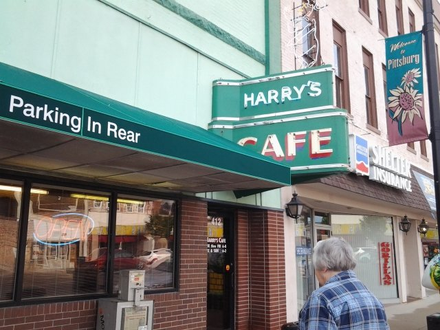 8. Harry's Cafe (Pittsburg)