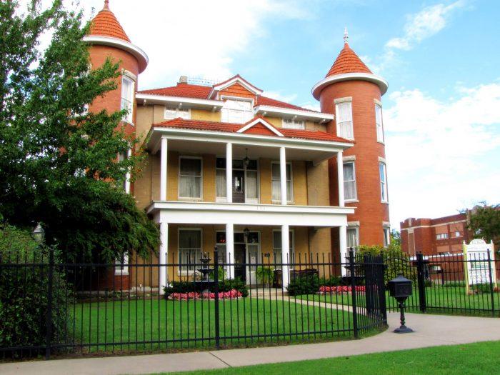 10. Belvidere Mansion Tours, Claremore