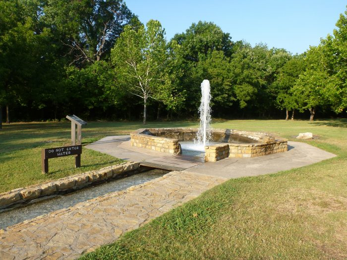 Throughout the park you'll find fresh water and mineral springs running freely.