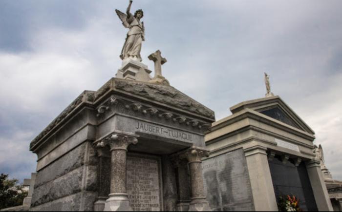 1) St. Louis Cemetery No. 3, 3421 Esplanade Ave.