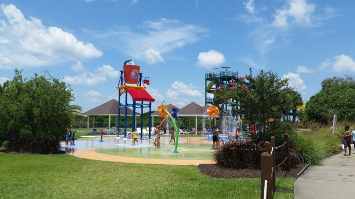 1. Summer Waves Waterpark—210 S Riverview Dr, Jekyll Island, GA 31527