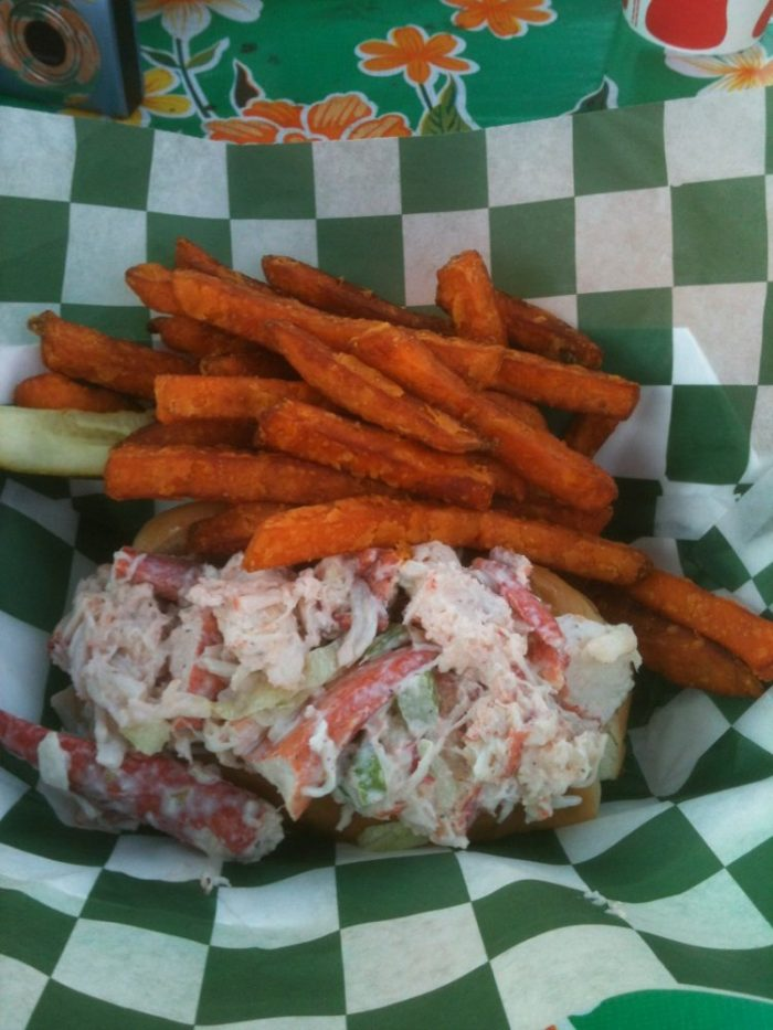 10 Restaurants With The Best Lobster Roll In New Hampshire