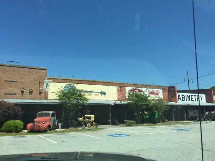13. Twang Southern Tastes & Sounds—342 Rose Ave, Payne, GA 31204
