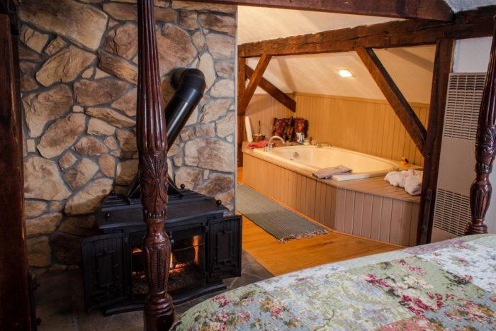 zoar-school-inn-bed-and-2