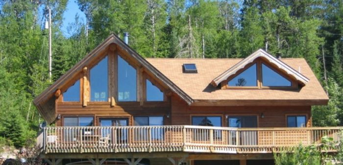 4. This Echo Trail Cabin near the Boundary Waters sleeps up to 10 and is located on scenic Everett Lake. It has an amazing deck and a new sauna.