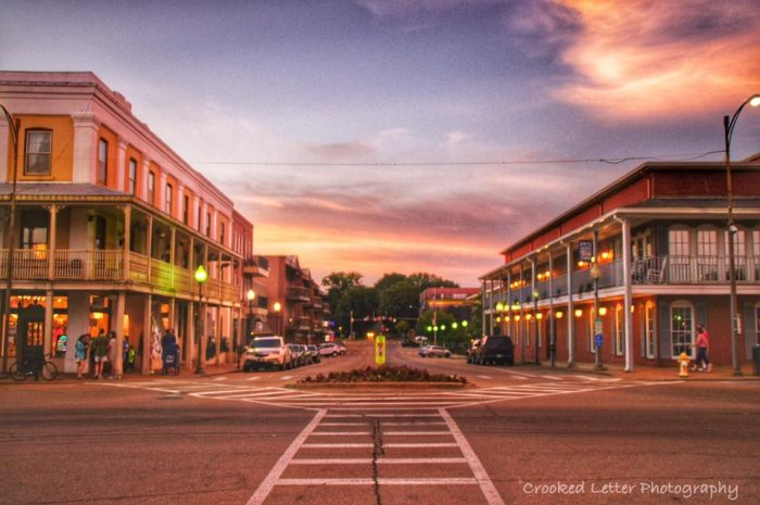 """In the heart of the city's downtown area is the historic Oxford square, which is known by locals as the """"Square."""" The picturesque Square is home to a variety of shops, boutiques, and restaurants."""