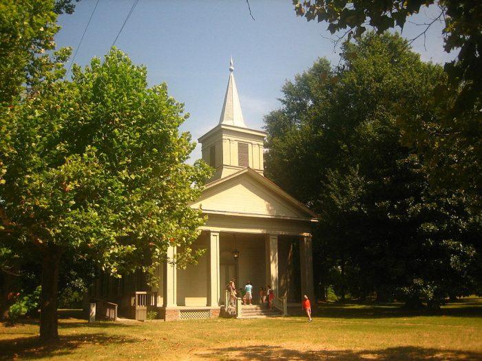1024px-Methodist_Church_at_Historic_Washington_State_Park_IMG_1467