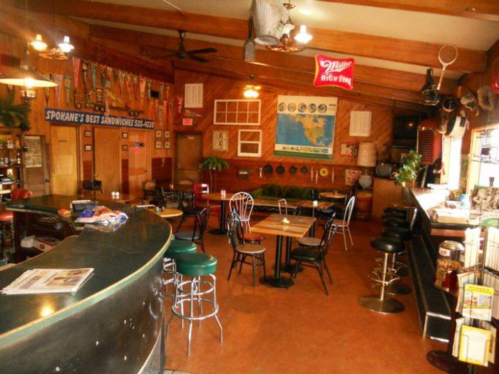 5. Smacky's On Broadway, Spokane Valley (6415 E Broadway Ave.)
