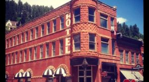 The Story Behind South Dakota's Most Haunted Hotel Will Give You Nightmares