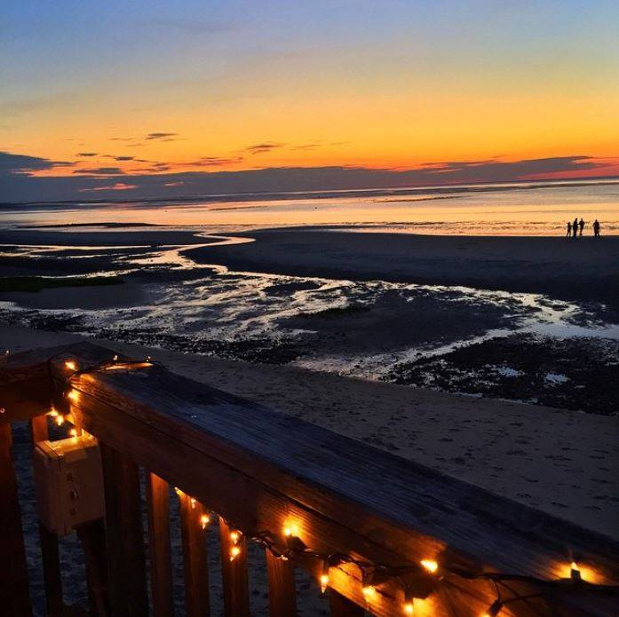 These Beachfront Restaurants In Massachusetts Are Out Of This