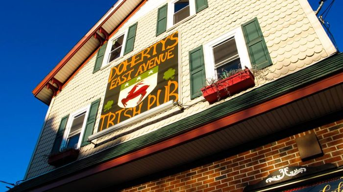 10 Amazing Hole In The Wall Restaurants In Rhode Island