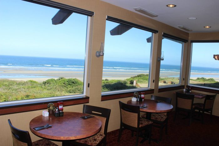 These 11 Beachfront Restaurants In Oregon Are Out Of This World