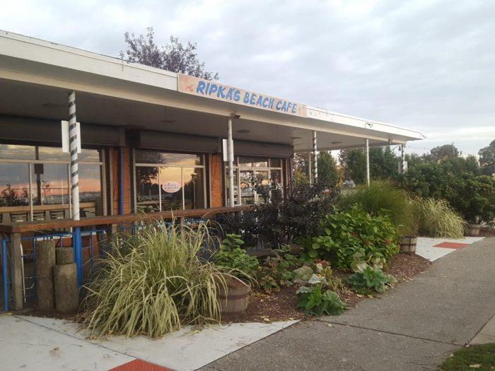 6. Ripka's Beach Cafe (Norwalk)