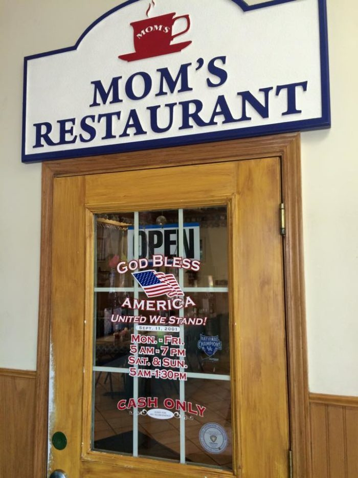 2. Mom's Restaurant (Franklin)