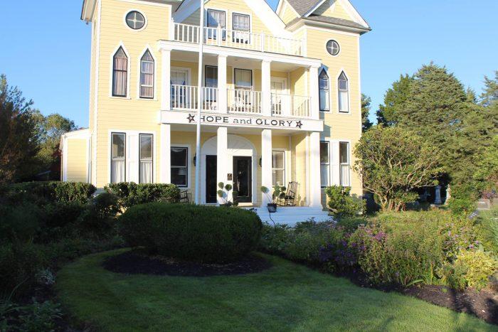 6. Hope and Glory Inn (Irvington)