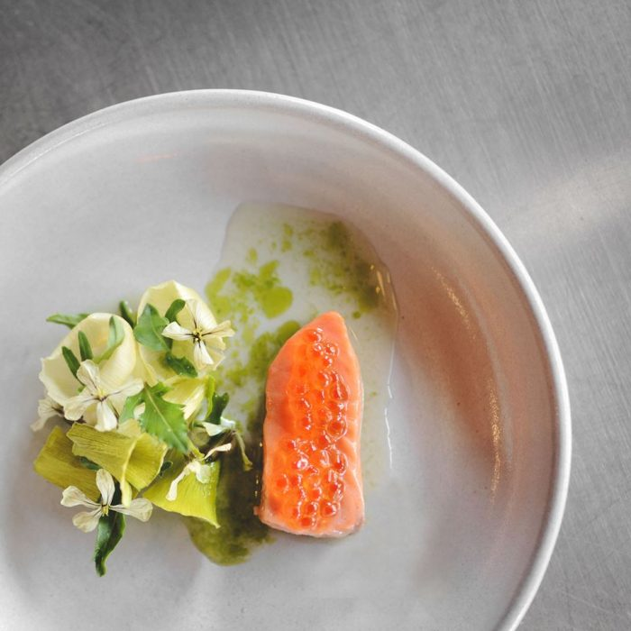But from the website, there is a list of things offered by the restaurant that are sure to delight your taste buds, including mussels with nasturtium flowers, Wianno oysters with vinegar, and foie gras.