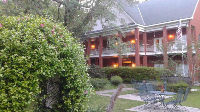12. Woodridge Bed and Breakfast of Louisiana, Pearl River