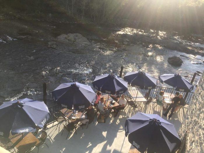 4. River Falls Restaurant, Woonsocket