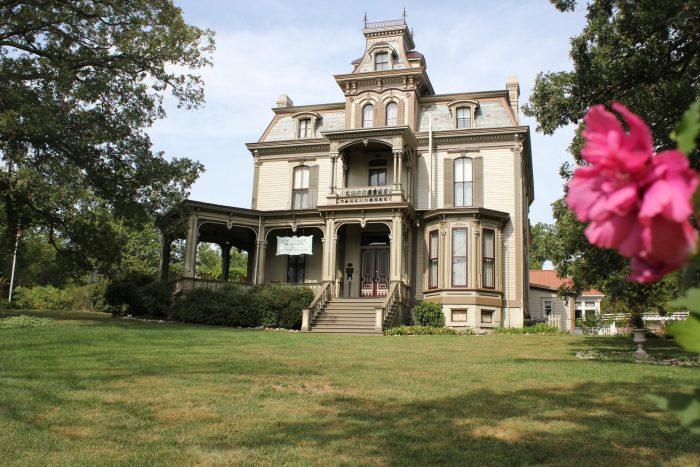 11. Missouri: Garth Woodside Mansion