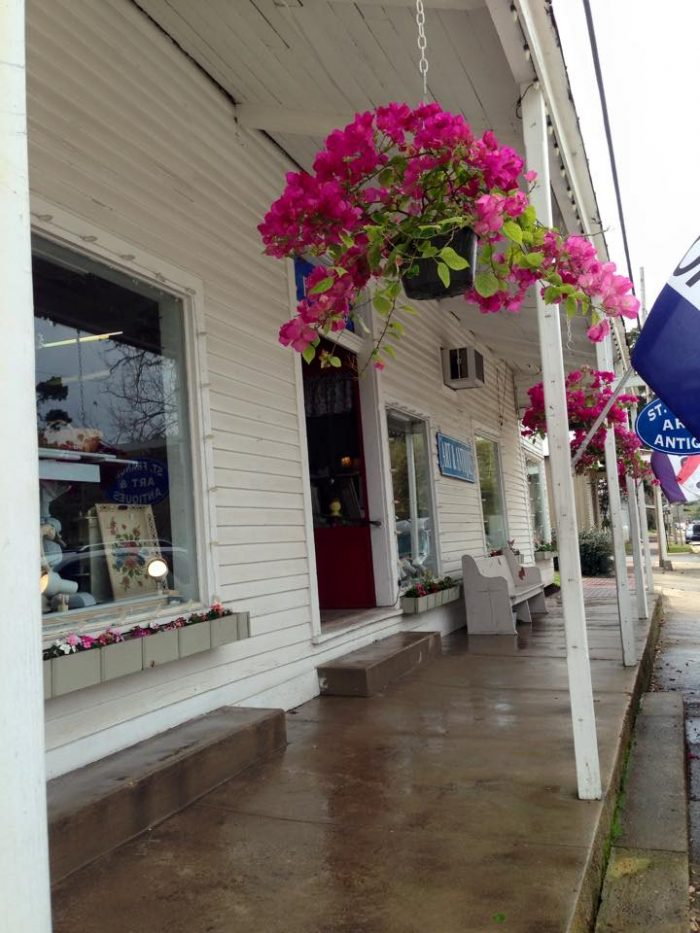 Spend the afternoon shopping in Downtown St. Francisville.