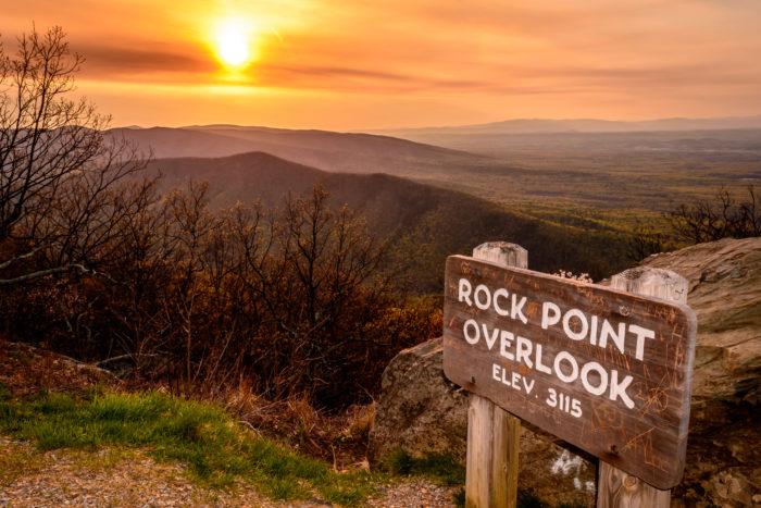 1. Rock Point Overlook