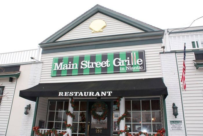 3. Main Street Grille (Niantic)