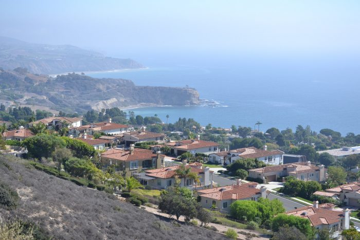 9. A Sunday drive in Rancho Palos Verdes on Palos Verdes Drive is a romantic way to take in the view of this breathtaking city.