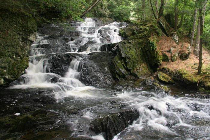 1.  Jeudevine Falls, Hardwick