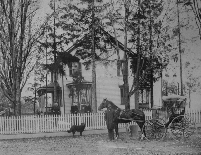 The History of Larimer Mansion