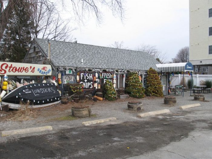2. Stowe's Seafood (West Haven)