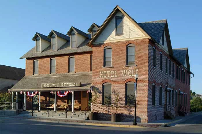 3. The Historic Wolf Hotel And Restaurant, Saratoga