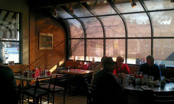 4. Dan's I-30 Diner (Benton)