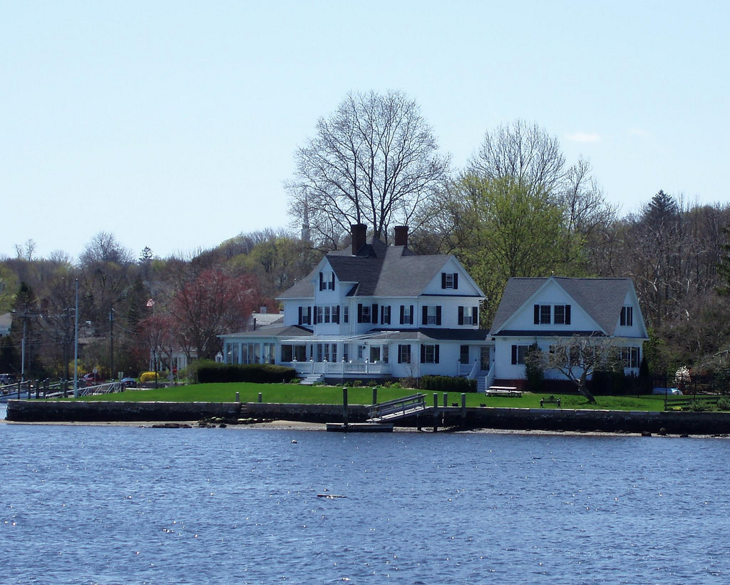 why mystic  connecticut is the ultimate summer town