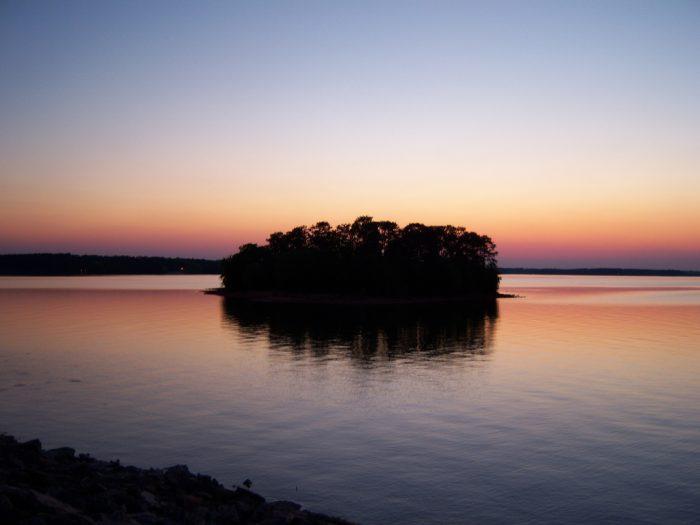 5. Lake Hartwell