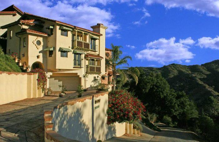 5. Topanga Canyon Inn